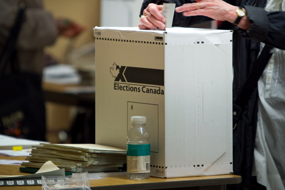 September 20 poll |  Elections Canada is struggling to recruit staff