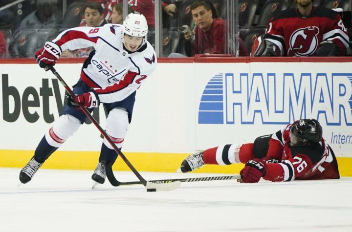 NHL    Hendrix tops Lapierre Capitals list