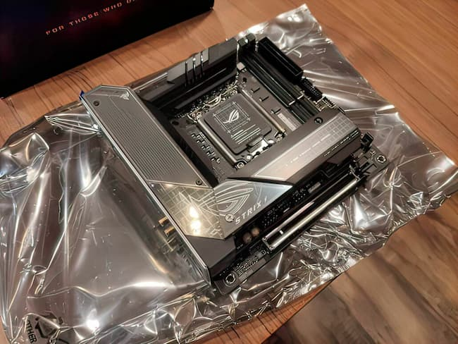 Small ASUS ROG Strikes Z690-I Gaming WiFi Unveiled