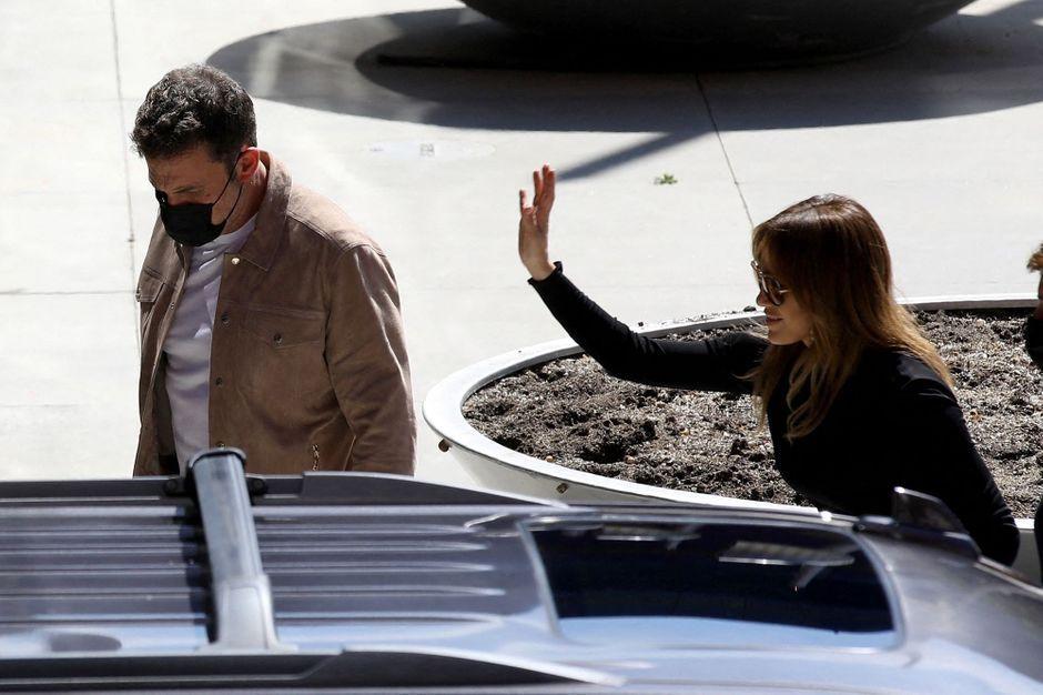Jennifer Lopez supports Ben Affleck in her new film screening