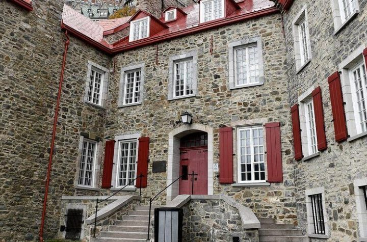 Maison Chevalier: Opponents want to cancel sales to Tongway real estate group