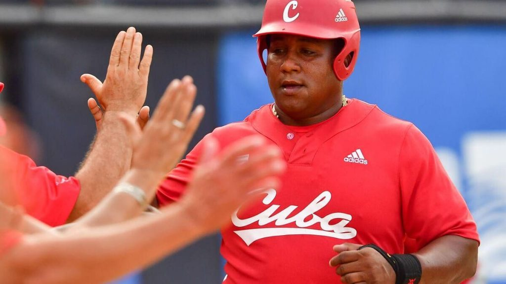 Record number of defections: Half of the baseball team left Cuba