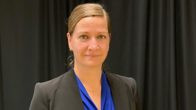 Senators call for Caroline Roy's resignation
