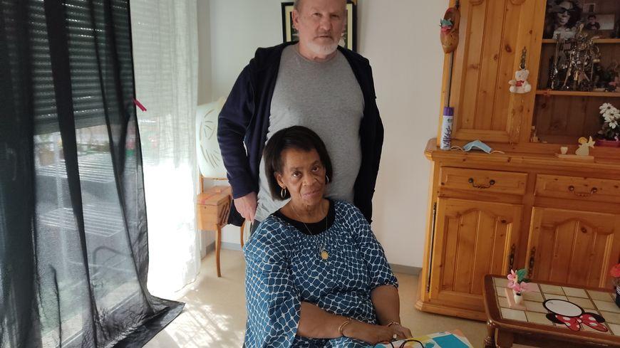 Depuis 6 ans, Emile veille sur sa femme atteinte de la maladie d'Alzheimer.